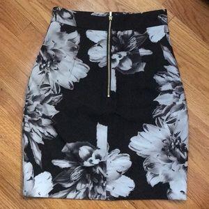 H&M Skirts - LIKE NEW pencil skirt